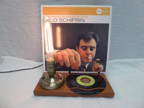 """Lampe """"Esprit-Rétro"""" vintage pour exposition et mise en valeur de pochette de disque vinyle ."""